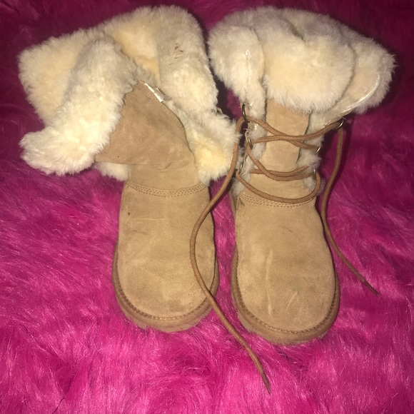 fa0d80a4434 Ugg's Sophy Girls' Chestnut Shearling Boots